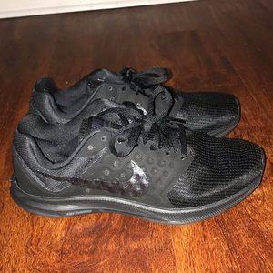Black Nike Downshifter 7 - like new!